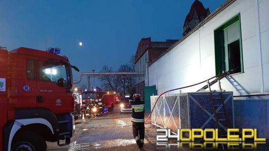 Pożar hali produkcyjnej w Krapkowicach
