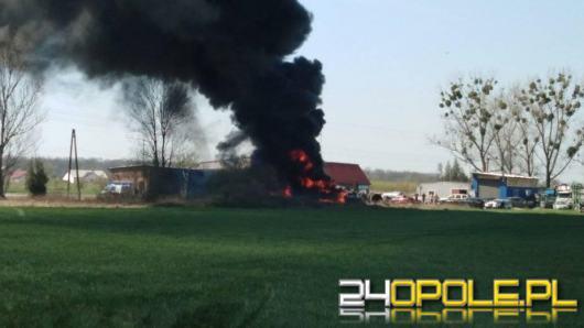 Składowisko opon w Bierawie stanęło w ogniu. W akcji 10 zastępów straży pożarnej