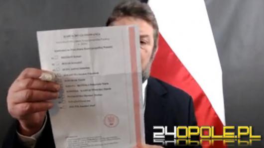 """Stanisław Żółtek ujawnił pakiet wyborczy. """"Łatwo go kserować"""". Poczta Polska zawiadomiła ABW"""
