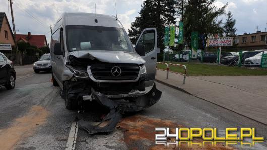 Kolizja 3 pojazdów w Byczynie. Jedna osoba w szpitalu