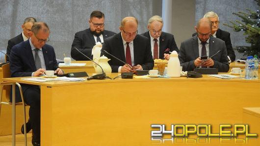 Ponad 300 milionów złotych na pomoc mieszkańcom regionu