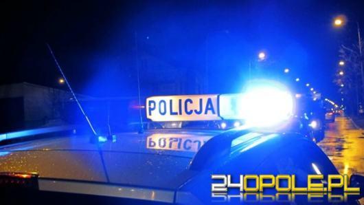 Policjanci eskortowali samochód z małżeństwem do szpitala