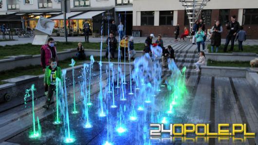 Uroczyście uruchomiono fontanny w mieście