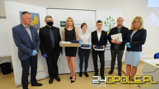 """NBP rozstrzygnął konkurs """"Laptop na Bank"""""""
