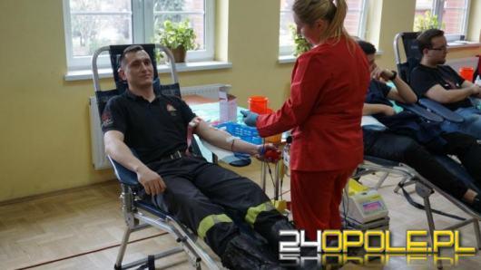 """Służby zachęcają do oddawania krwi. """"Nigdy nie wiadomo, kiedy my będziemy w potrzebie"""""""