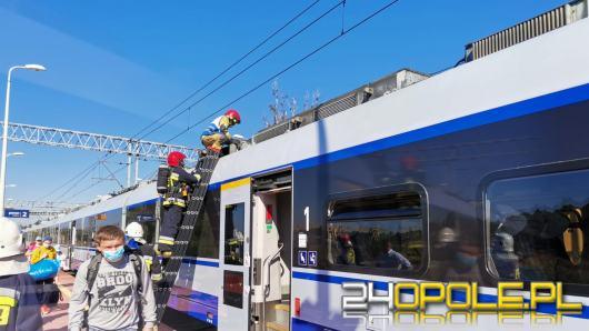 Pożar w pociągu intercity na stacji w Pludrach. Ewakuowano podróżnych