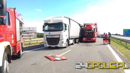 Dwie ciężarówki zderzyły się na opolskim odcinku A4