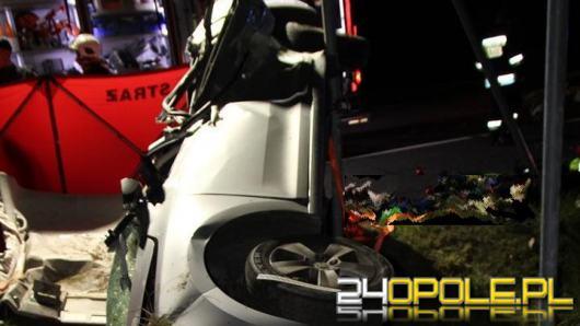 Śmiertelny wypadek w powiecie nyskim. Zginął 25-letni kierowca Skody
