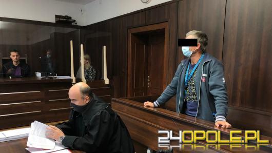 Stanął przed sądem ale nie pamięta, żeby podczas imprezy pobił kolegę, który potem zmarł