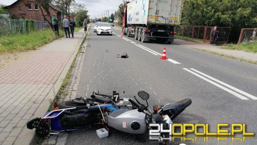 Zderzenie osobówki z motocyklistą w Wołczynie. Ranny w szpitalu