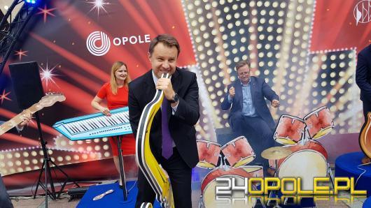 Muzyczna instalacja na rynku w Opolu a w niej...można zagrać prawdziwy koncert