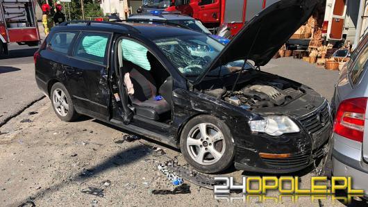 Zderzenie kilku osobówek na skrzyżowaniu Prószkowskiej i Kwoczka. 3 osoby w szpitalu