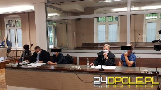 Oskarżeni o przywłaszczenie 884 świń stanęli przed sądem. Nie wiedzą jak do tego doszło