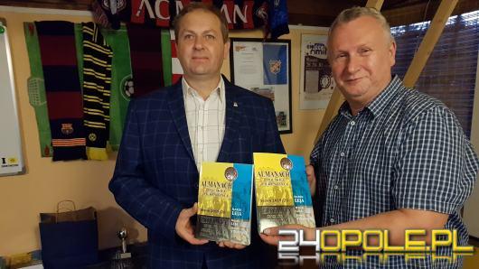"""Trzecie wydanie """"Almanachu Opolskiej Piłki Nożnej"""" już dostępne"""