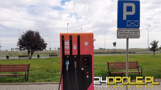 Kolejny punkt ładowania pojazdów elektrycznych na MOP-ie w ciągu A4 na Opolszczyźnie