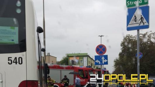 86-latka potrącona na przejściu dla pieszych przez autobus MZK