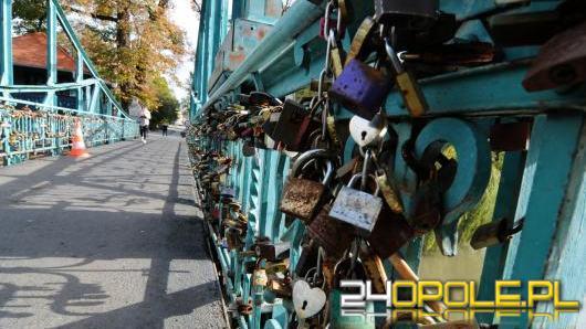 Opolanie zdecydowali co stanie się z kłódkami zdjętymi z Mostu Groszowego w Opolu