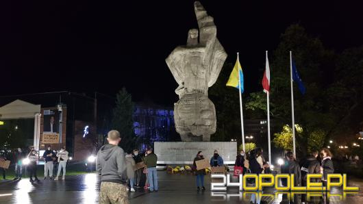 Kolejny dzień protestów w Opolu. Posypały się mandaty i pouczenia