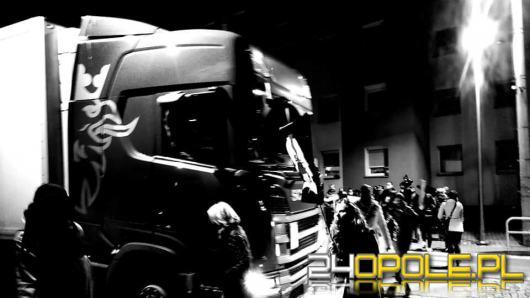 Kierowca ciężarówki ruszył na protestujących w Strzelcach Opolskich
