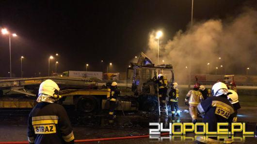 Laweta zapaliła się podczas jazdy. Niebezpieczne zdarzenie na A4