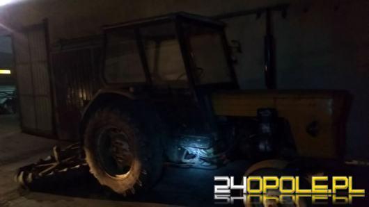 Miał 2 promile, uciekał przed policjantami traktorem