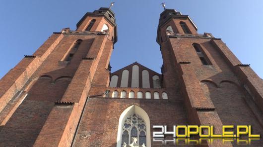 Co 7 duchowny z regionu przechorował koronawirusa, 9 księży zmarło