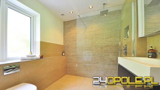 Jak zamontować odpływ liniowy pod prysznicem?