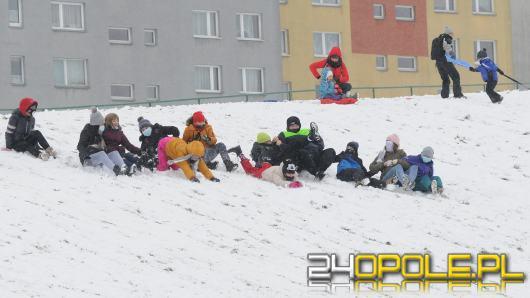 Dzieci doczekały się zimy! Park AK pełen śnieżnych bałwanów