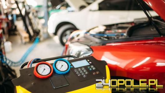 Jak sprawdzić szczelność klimatyzacji w samochodzie?
