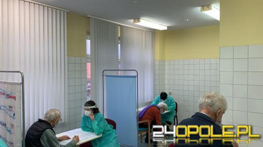 Ruszają szczepienia seniorów przeciw Covid-19. Najpierw grupa 70+