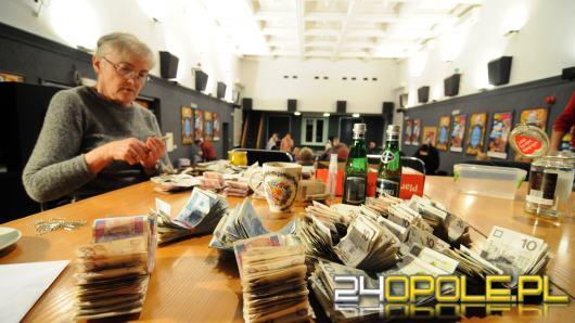Ponad 200 tysięcy złotych w puszkach wolontariuszy opolskiego Sztabu WOŚP. Trwa liczenie