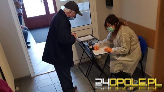 W przyszłym tygodniu ruszą szczepienia przeciw Covid-19 dla nauczycieli