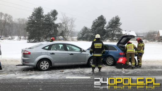 Zderzenie na DW 901 w Zawadzkiem. Jedna osoba w szpitalu