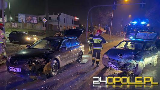 Zderzenie pojazdów na ulicy Budowlanych w Opolu. Sprawca uciekł