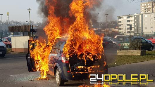 Pożar samochodu na ulicy Kieleckiej w Opolu