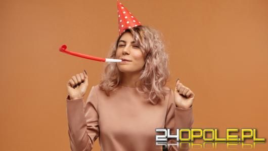 Co kupić przyjaciółce na urodziny? Te upominki ją zaskoczą!