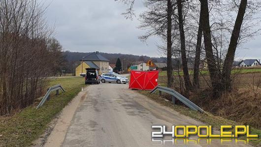 74-letni motorowerzysta zginął na drodze. Wypadek w powiecie strzeleckim