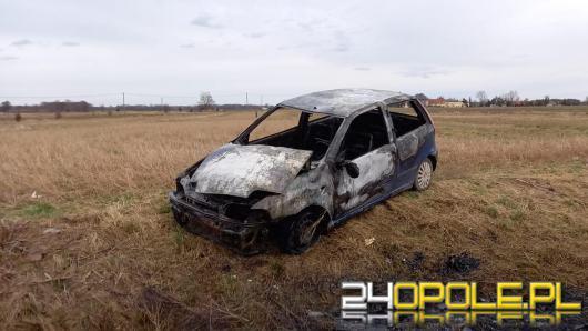 Pożar samochodu osobowego w gminie Tarnów Opolski