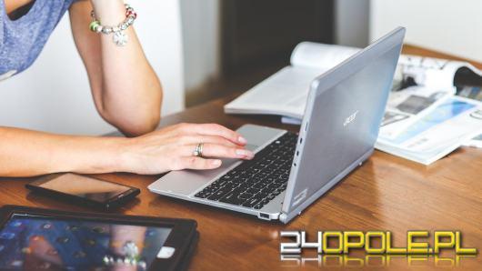 Dlaczego lepiej i łatwiej jest stworzyć CV w kreatorze online?