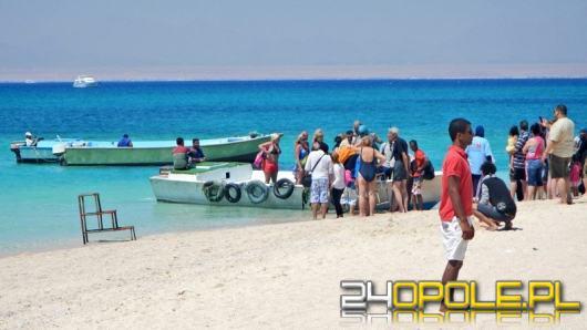 Praca marzeń i wielkie zarobki a do tego wakacje na Zanzibarze. UOKiK ostrzega: to oszustwo