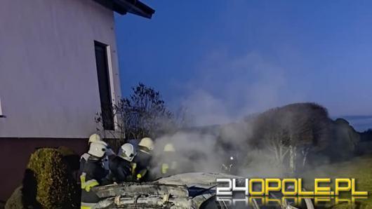 Pożar BMW na posesji w Dalachowie