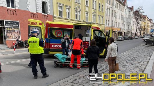 Potrącenie starszej kobiety na ulicy Kośnego w Opolu