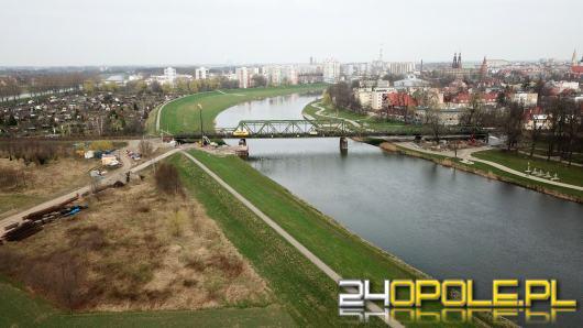 Od przyczółków rozpoczęła się budowa nowego mostu kolejowego nad Odrą w Opolu