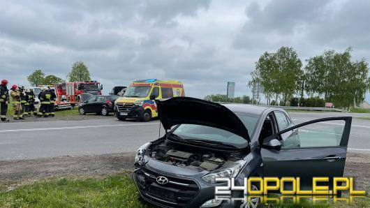 Zderzenie pojazdów w Zimnicach Małych, poszkodowane dwie osoby