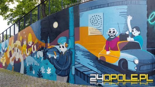 Nowy mural przy Narodowym Centrum Polskiej Piosenki