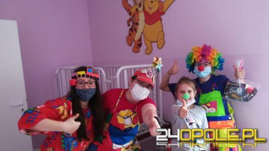Animatorzy z Fundacji dr Clown również zadbali o małych pacjentów w Dzień Dziecka