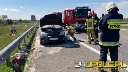 Pożar samochodu osobowego na A4. Pomogli przypadkowi świadkowie