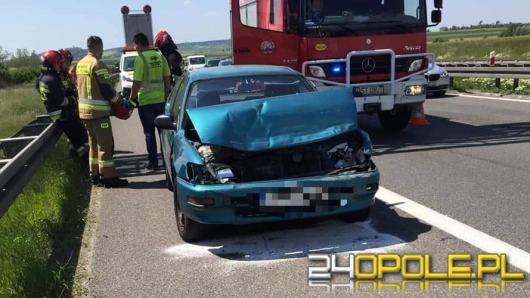 Zderzenie pojazdów na A4. Jedna osoba trafiła do szpitala