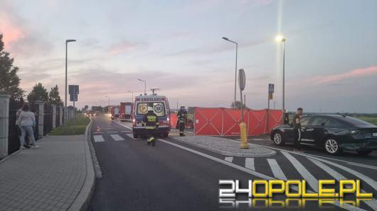 Wypadek z udziałem osobówki i motocykla. Poszkodowana zabrana do szpitala