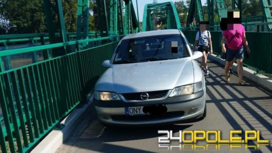 Kierująca oplem wjechała na Most Ireny Sendlerowej. Szuka jej policja